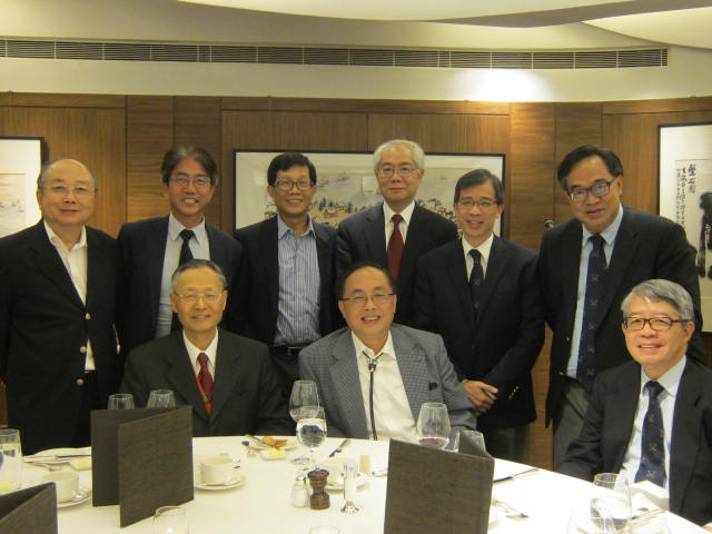 Mr Yang with Fellows at the dinner.